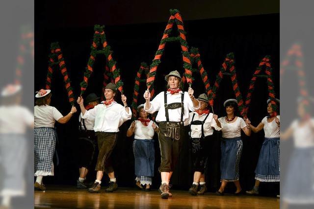 Alpenländische Feier für mehr als 200 Senioren