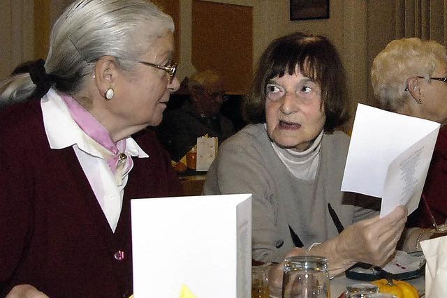 Senioren knüpfen neue Bekanntschaften