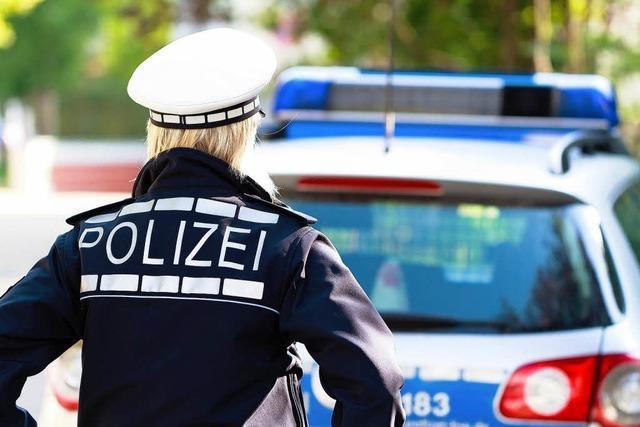 Polizeieskorte für jungen Schulschwänzer