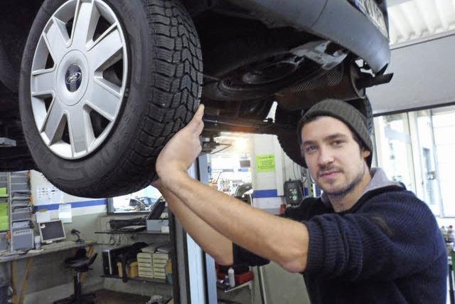 Ausbildungsberuf Kfz-Mechatroniker: Max Wursthorn ist den Auto-Wehwehchen auf der Spur
