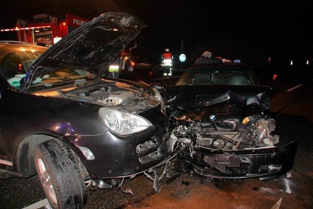 Vier Verletzte in drei Autos