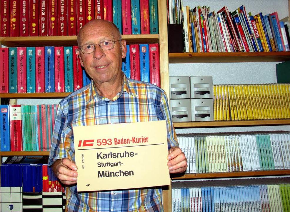 Ein großer Bahn-Fan wie Heinz Göttlich...auch über alte Bahnverbindungen geben.    Foto: Heinz Göttlich