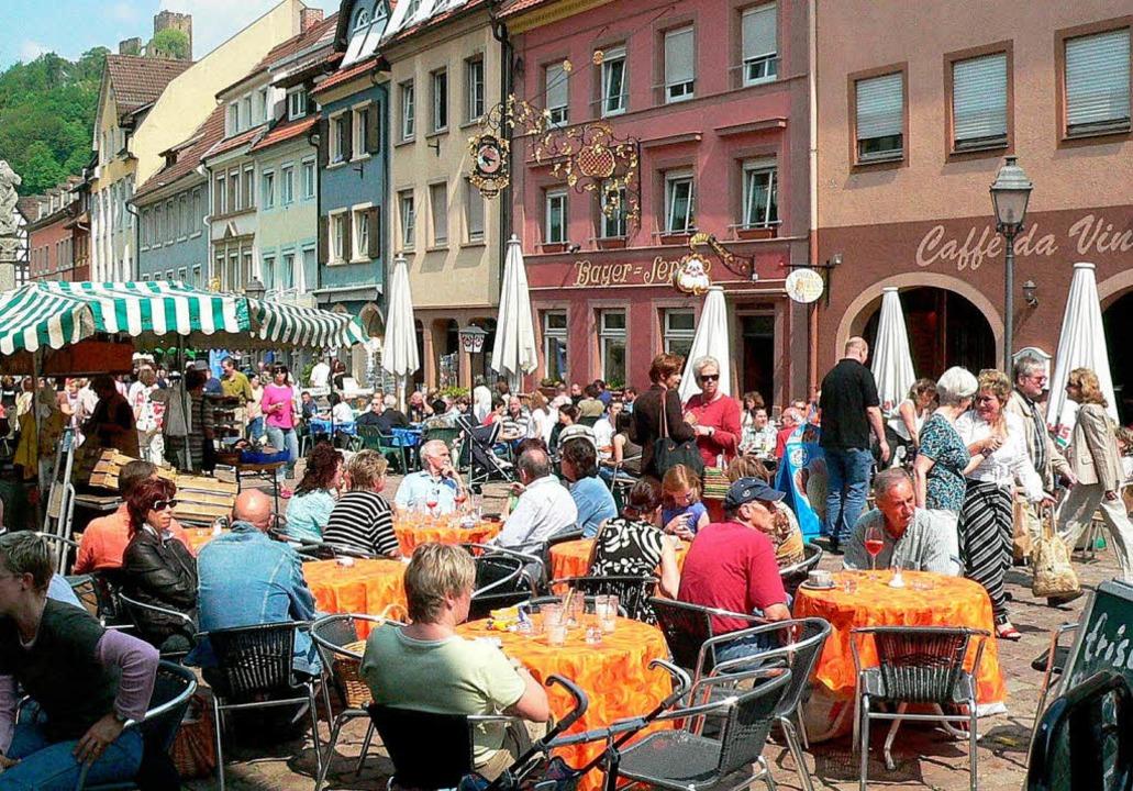 Ganz schön voll ist er manchmal, beson...m Sommer: Der Waldkircher Marktplatz.   | Foto: Archivfoto: Weiss