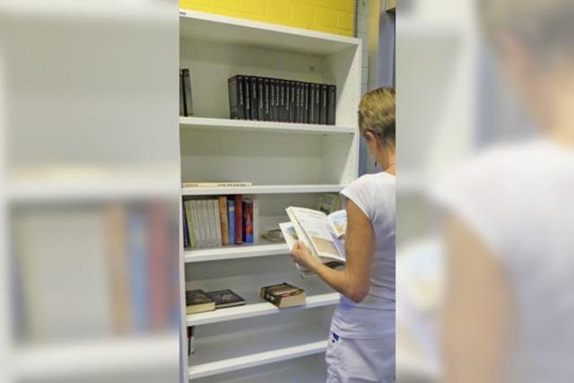 Ein Bücherregal jetzt auch für Lehen