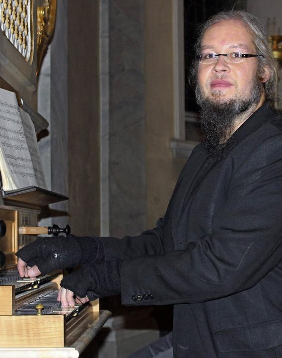 Ein spannungsreiches Programm spielte Frank Rieger in der Kirche St. Martin.     Foto: Rita Freidl