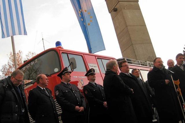 Teningen spendet griechischem Ort ein altes Feuerwehrauto