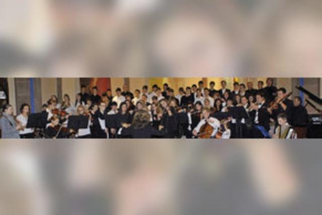 Bunt gemischte Ensembles und brillante Solisten