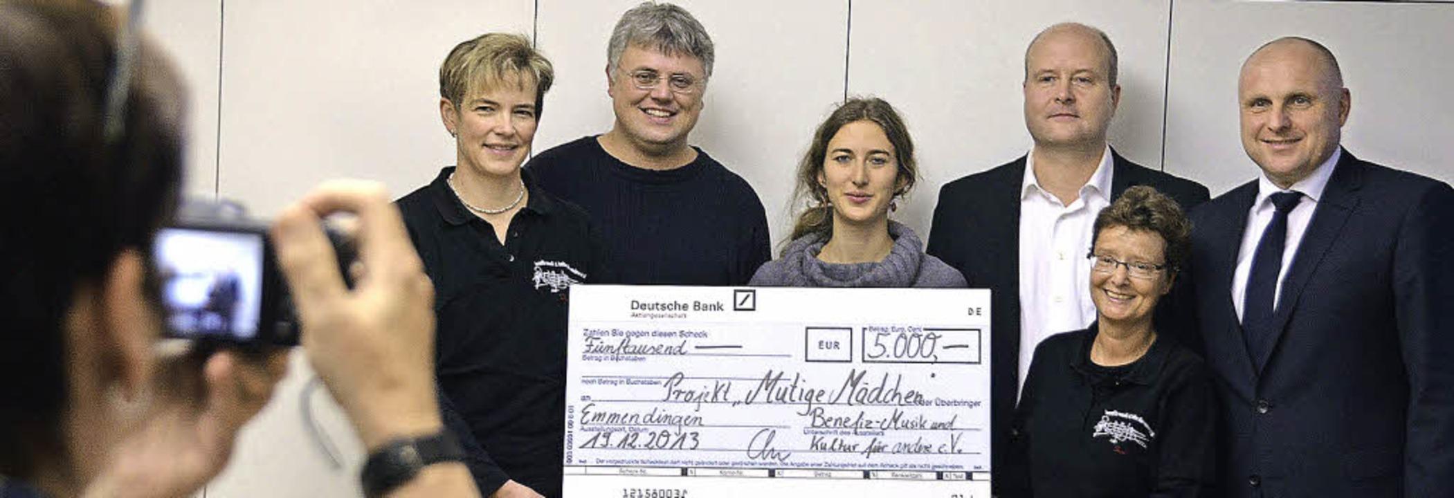 von links Daniela Wolber, Günter Krieg...latterer; Birgitta Weiher fotografiert    Foto: Sylvia-Karina Jahn