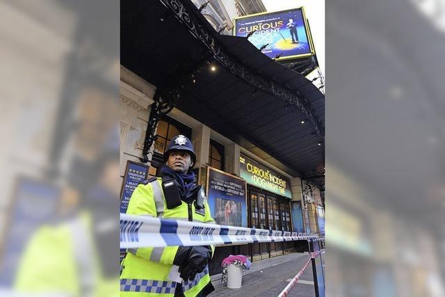 Sachverständige überprüfen Sicherheit Londoner Theater