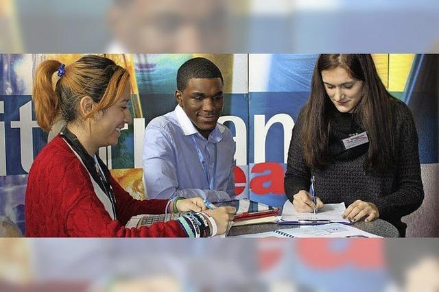 Mit US-Schülern zu Übungsfirmenmesse