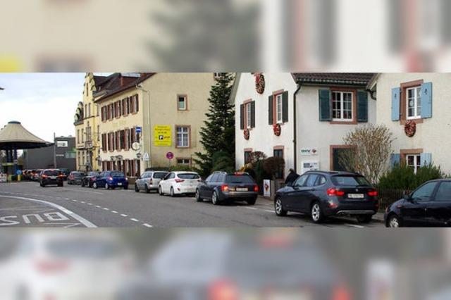 Radschutzstreifen als Kurzzeitparkplätze genutzt