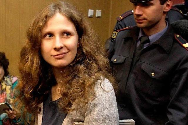 Beide Aktivistinnen von Pussy Riot in Freiheit