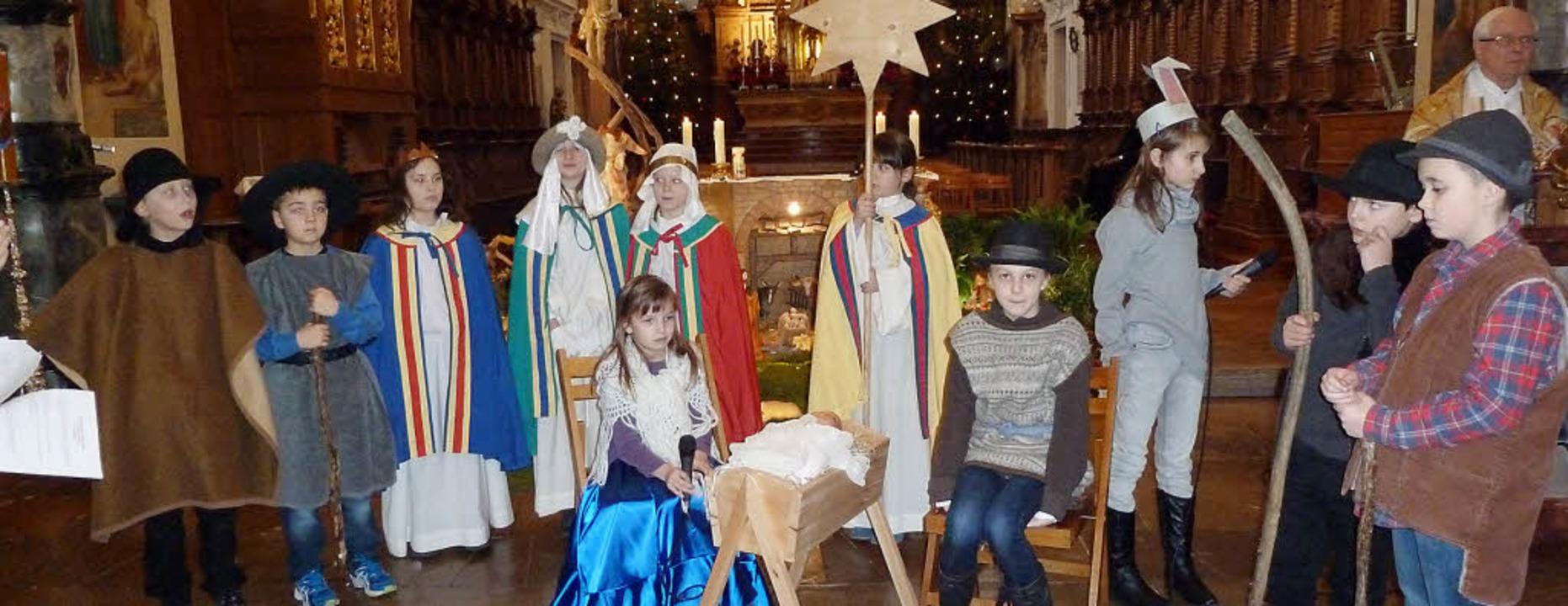 Bei der Kinderkrippenfeier in St. Trud...alduin als gelungenes Singspiel auf.      Foto: Eberhard Gross