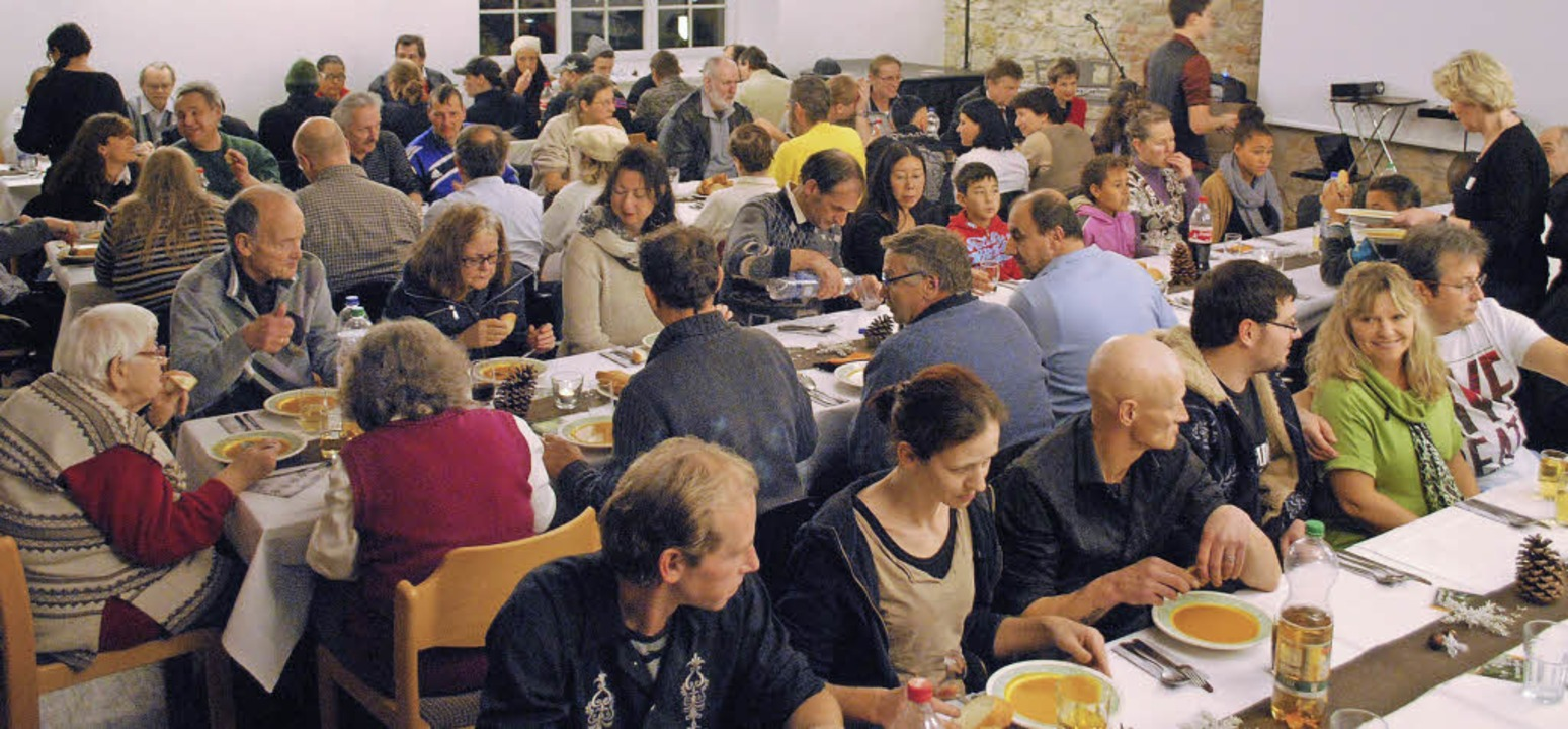 Heiligabend in der Alten feuerwache: Ein besonderer Abend, der angenommen wird.     Foto: Thomas Loisl Mink