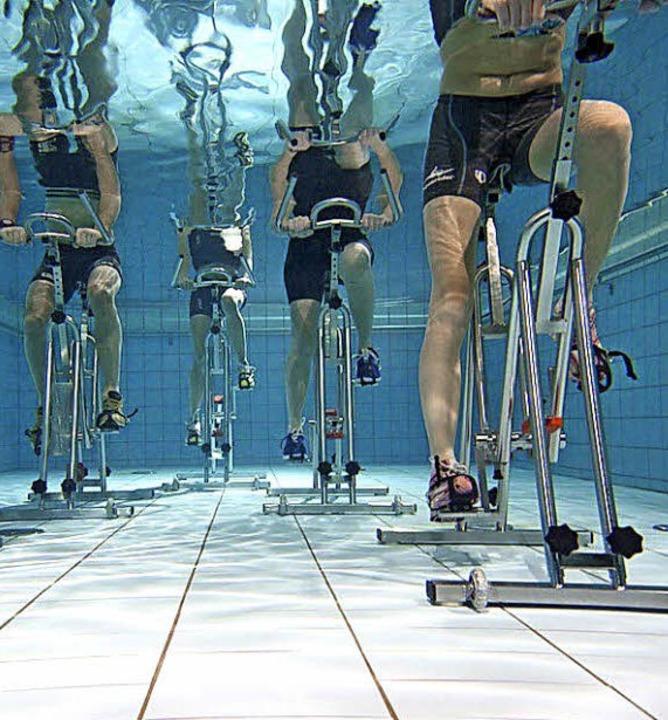 Aqua-Cycling aus der Unterwasserperspektive.   | Foto: Bender
