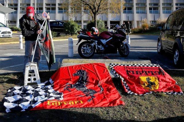 Michael Schumacher: Familie und Fans bangen in Grenoble