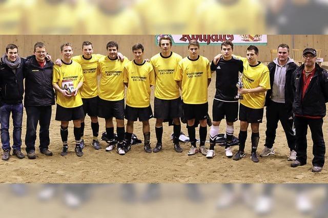 40 Mannschaften bringen es auf 23 Stunden Fußball