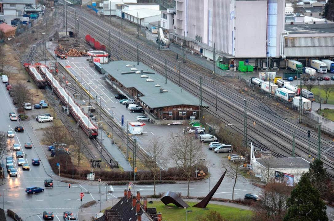 Für das Gelände des Autoreisezugs an d... wäre sie das Bahn-Angebot gerne los.   | Foto: Nikolaus Trenz