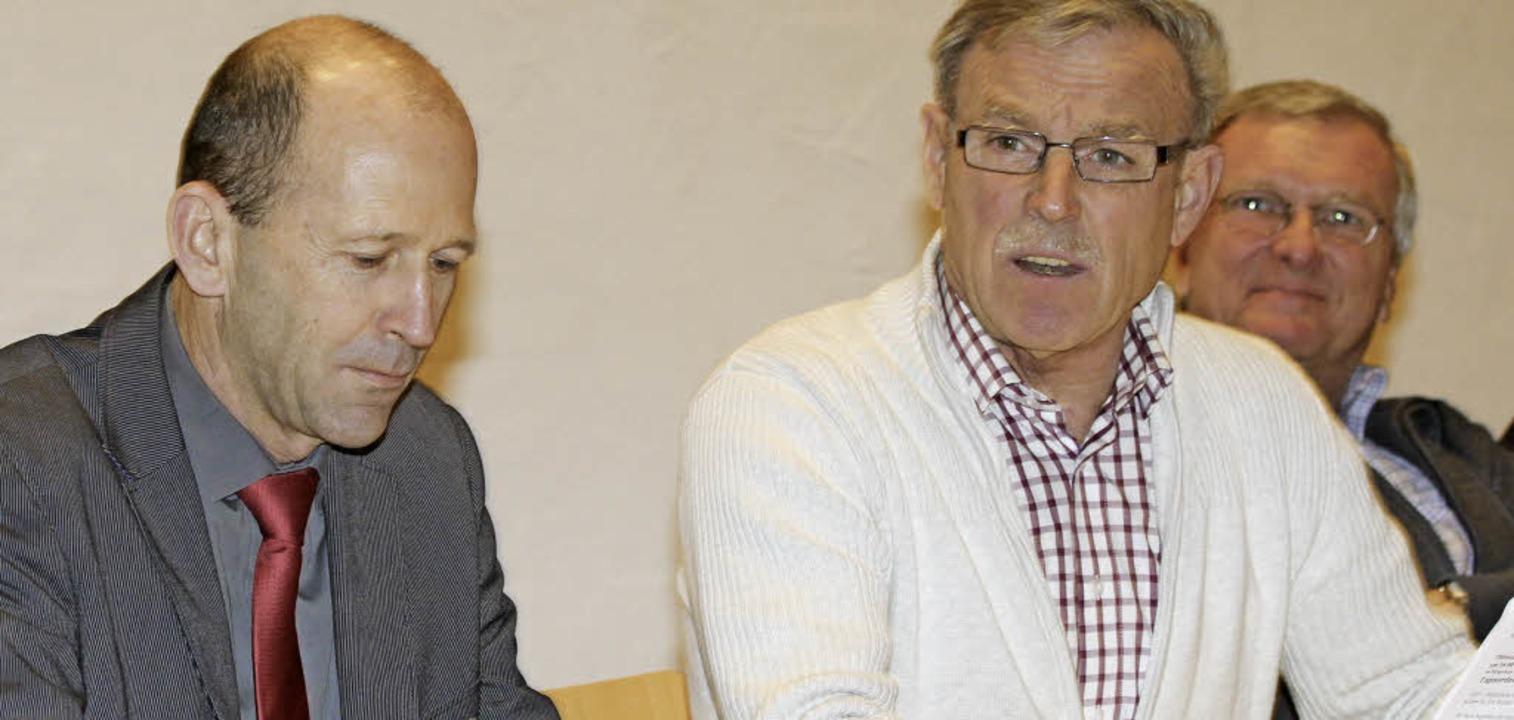 Bürgermeister Christian Behringer, Sta...bei der Bürgerversammlung in Staufen.   | Foto: Chris Seifried