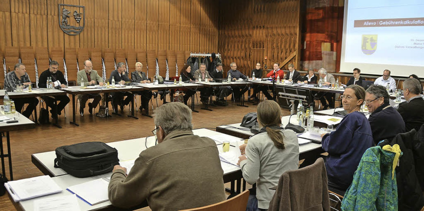 Gemeinderäte und Verwaltungsvertreter saßen 2013 mehr als 42 Stunden zusammen.     Foto: Ralf H. Dorweiler