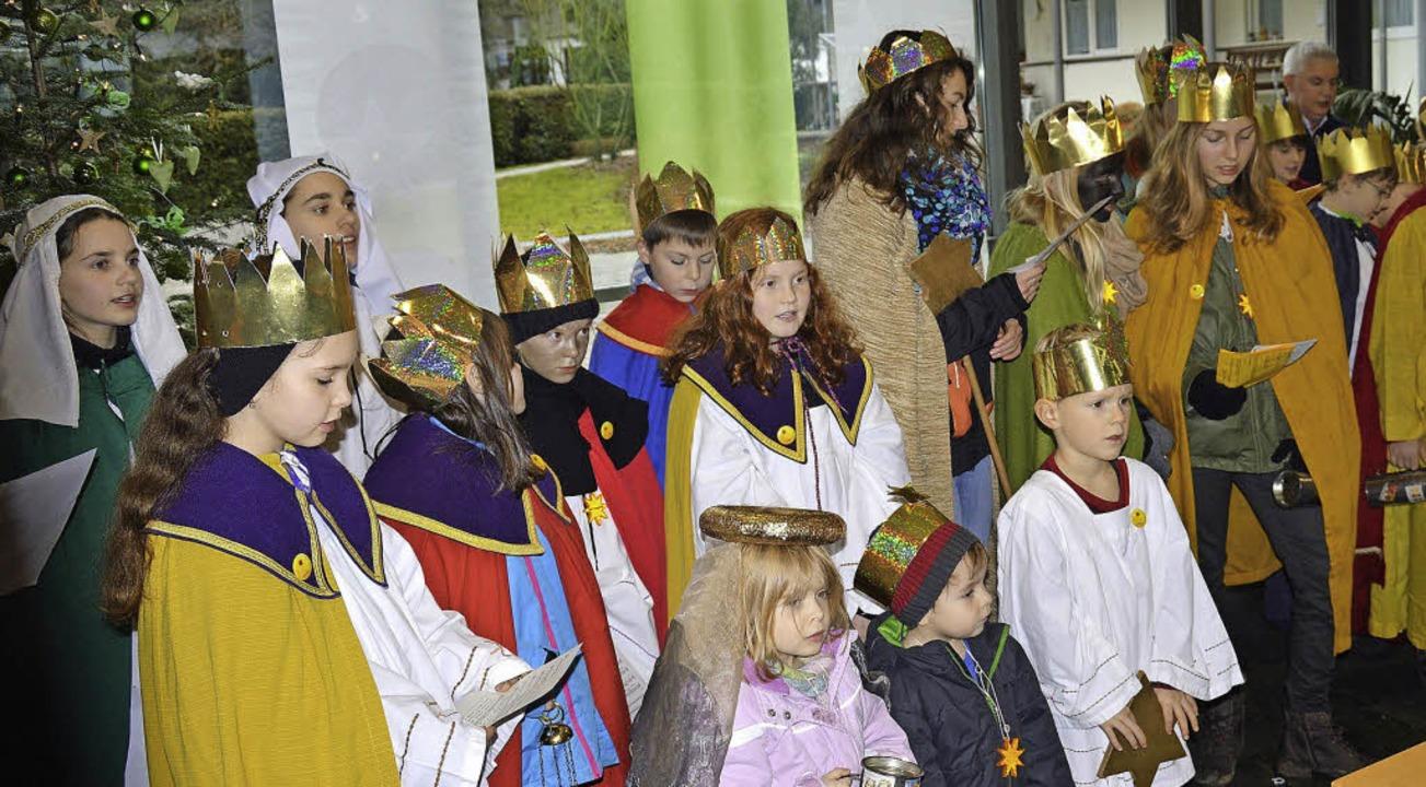 Königlich ging es am Donnerstag in der...n für notleidende Kinder dieser Welt.   | Foto: Georg Diehl
