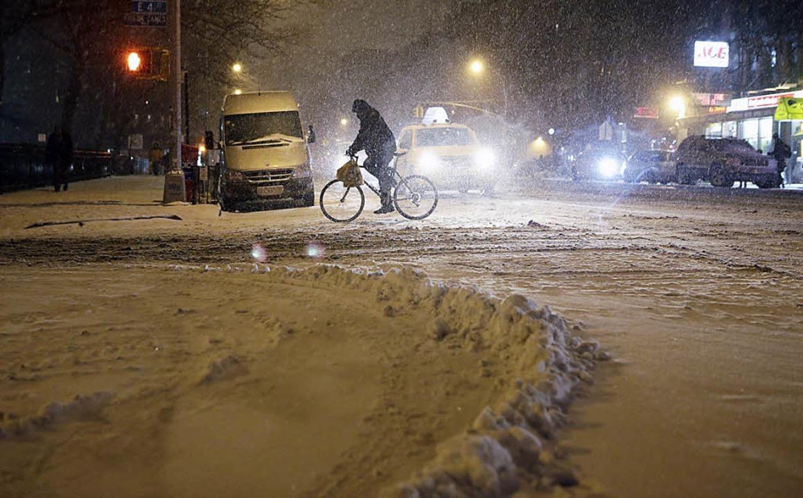 New York liegt unter einer dicken Schneedecke   | Foto: DPA