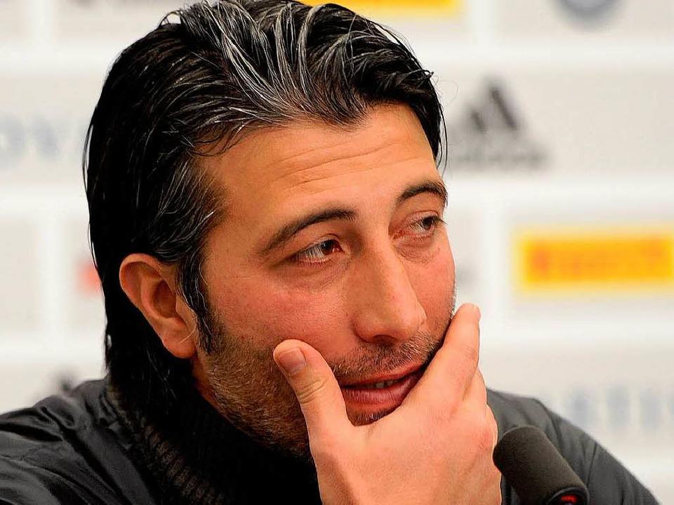 2015 plus: Trainer Murat Yakin hat den...mit dem FC Basel vorzeitig verlängert.  | Foto: Meinrad Schön