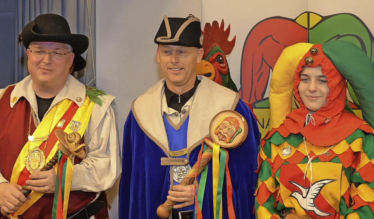 Im Amt: Bürgermeister Michael Wilke is...d dem Zeremonienzundel Sarah Roßkopf.   | Foto: Nikolaus Trenz