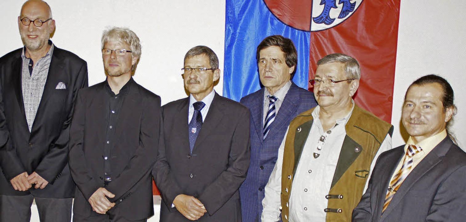 Ehrungen verdienter Kommunalpolitiker ...nd Franz Ehrhardt (von links) dabei.    | Foto: Ilona Hüge