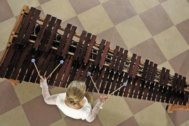 Marimba-Virtuosin Katarzyna Mycka spielt in Waldkirch