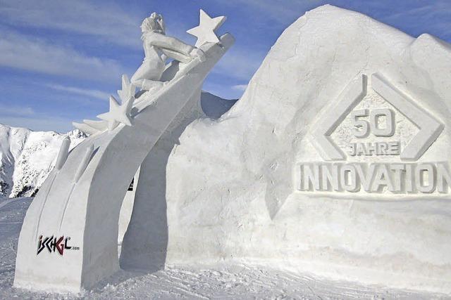 Vorjahressieger bauen Mottoskulptur