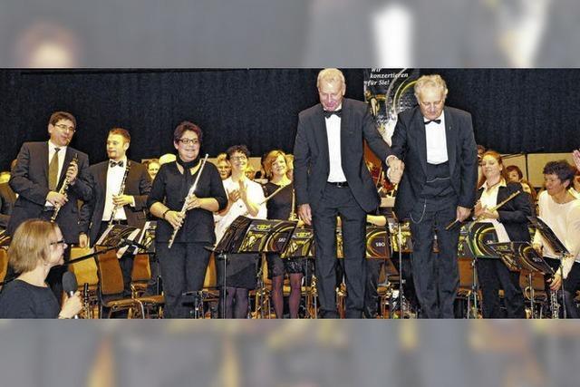 Schaffhausener Blasorchester vor vollem Haus