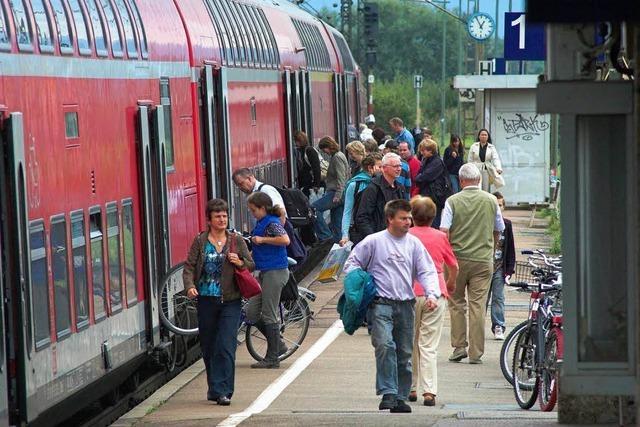 Bahn-Schaffner weist zahlungswillige Kundin ab