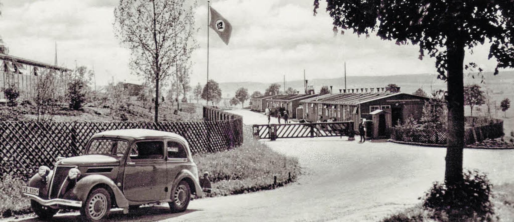 Unter der Naziflagge: Eingangsbereich ...Dritten Reich. <BZ-Versal></BZ-Versal>  | Foto: Archiv/Vollmer