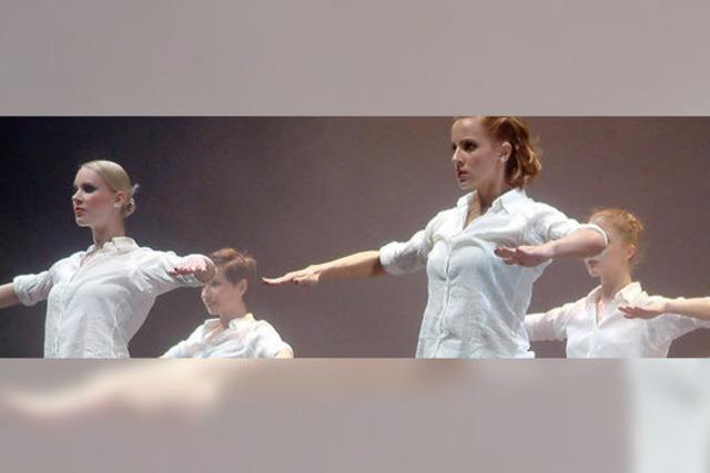 Ungarn begeistern im Gloria-Theater mit rockigem Ballett