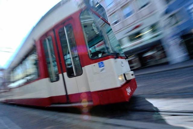 Schweißarbeiten am Bertoldsbrunnen – Verspätungen im Tramverkehr