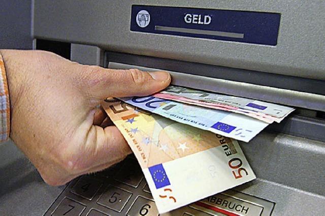 Dieb klaut Geldbörse und hebt 1500 Euro ab