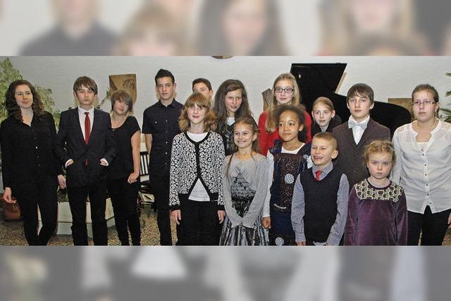 Klavierschüler spielen 1244 Euro ein