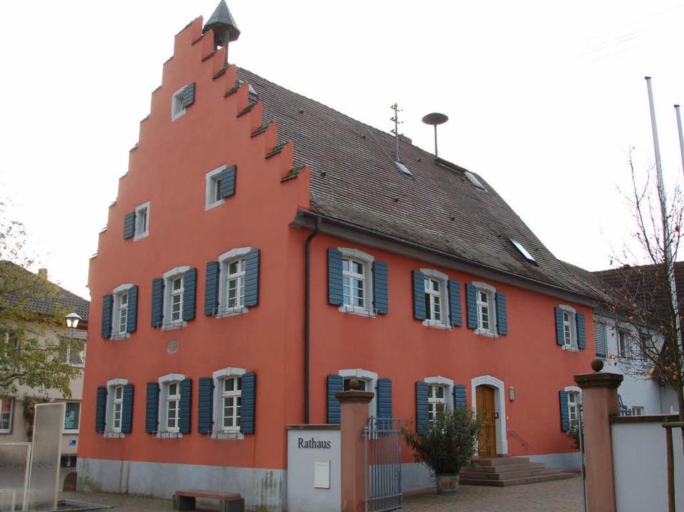Wer zieht als Bürgermeister ins Gottenheimer Rathaus ein?  | Foto: Manfred Frietsch