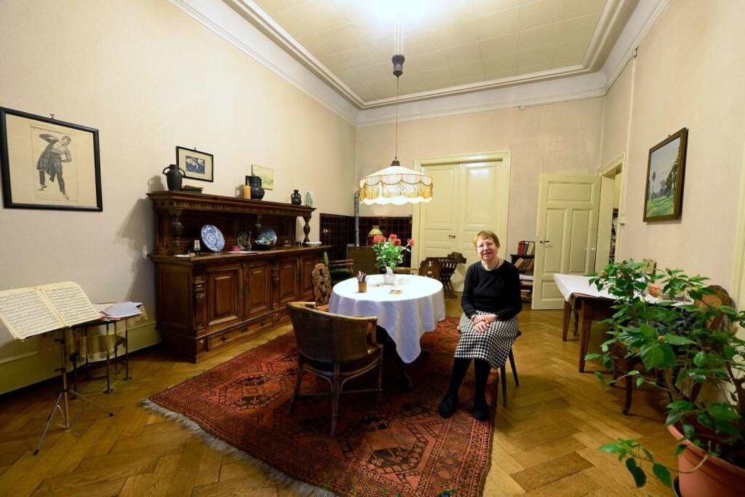 Marianne Eucken  im Esszimmer  ihrer Familie.   | Foto: Ingo Schneider