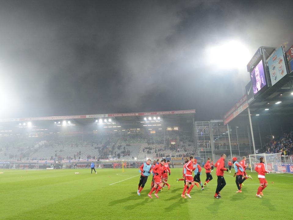 Steht das Stadion, in dem sich die SC-Profis künftig warmlaufen, im Wolfswinkel?  | Foto: dpa