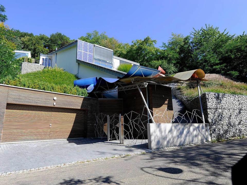 Die ehemalige Beltracchi-Villa, hier i...nzwischen verkauft und wird umgebaut.   | Foto: Ingo Schneider