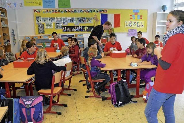 Schüler unterrichten Schüler