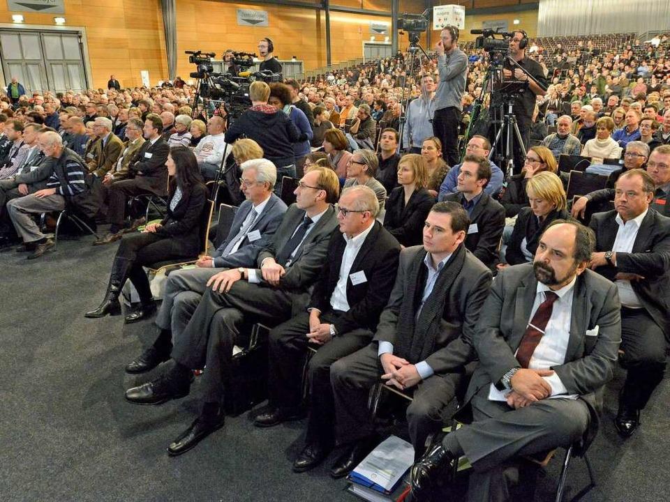 Bürgerversammlung in der Rothaus-Arena...und ErsterBürgermeister Otto Neideck.   | Foto: Michael Bamberger