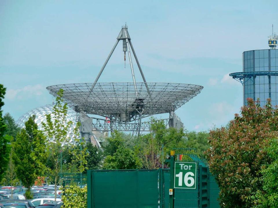 Steht seit 1997 im Europa-Park: Die alte Antenne des Ionosphäreninstituts.  | Foto: Ulrika Martel
