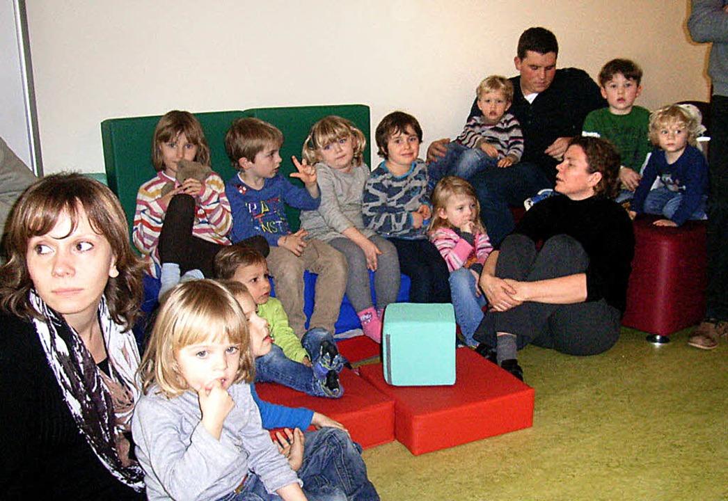Für insgesamt 40 Kinder ist die Kita &...altenbach-Holzmann (vorne von links).   | Foto: Johanna Högg
