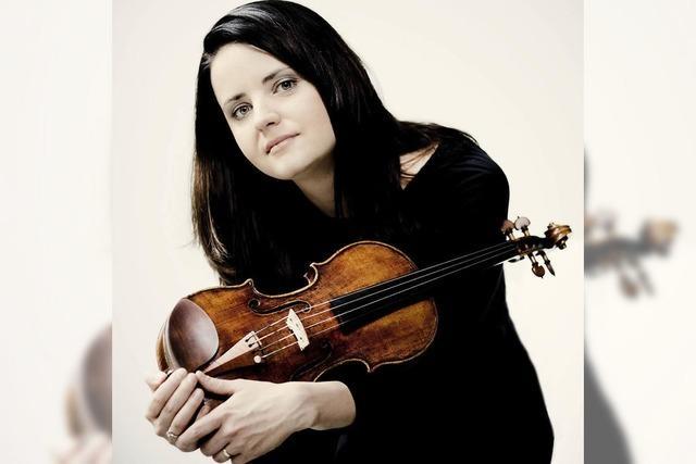 Die lettische Geigerin Baiba Skride spielt mit der Württembergischen Philharomonie Reutlingen Nielsens