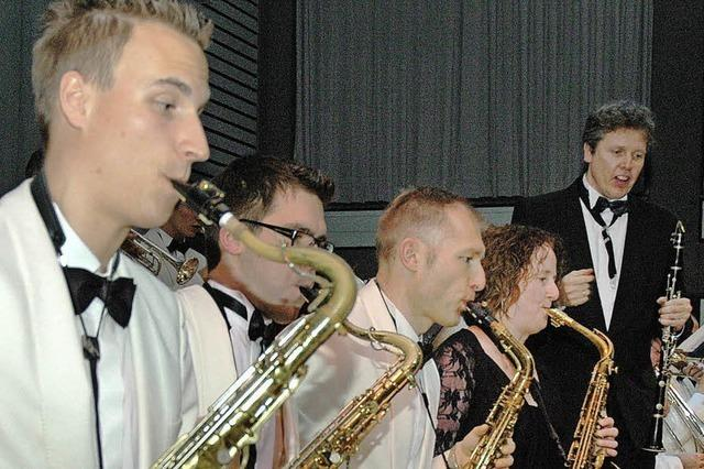 So wertvoll war der Swing lange nicht – Konzert erlöst 4030 Euro