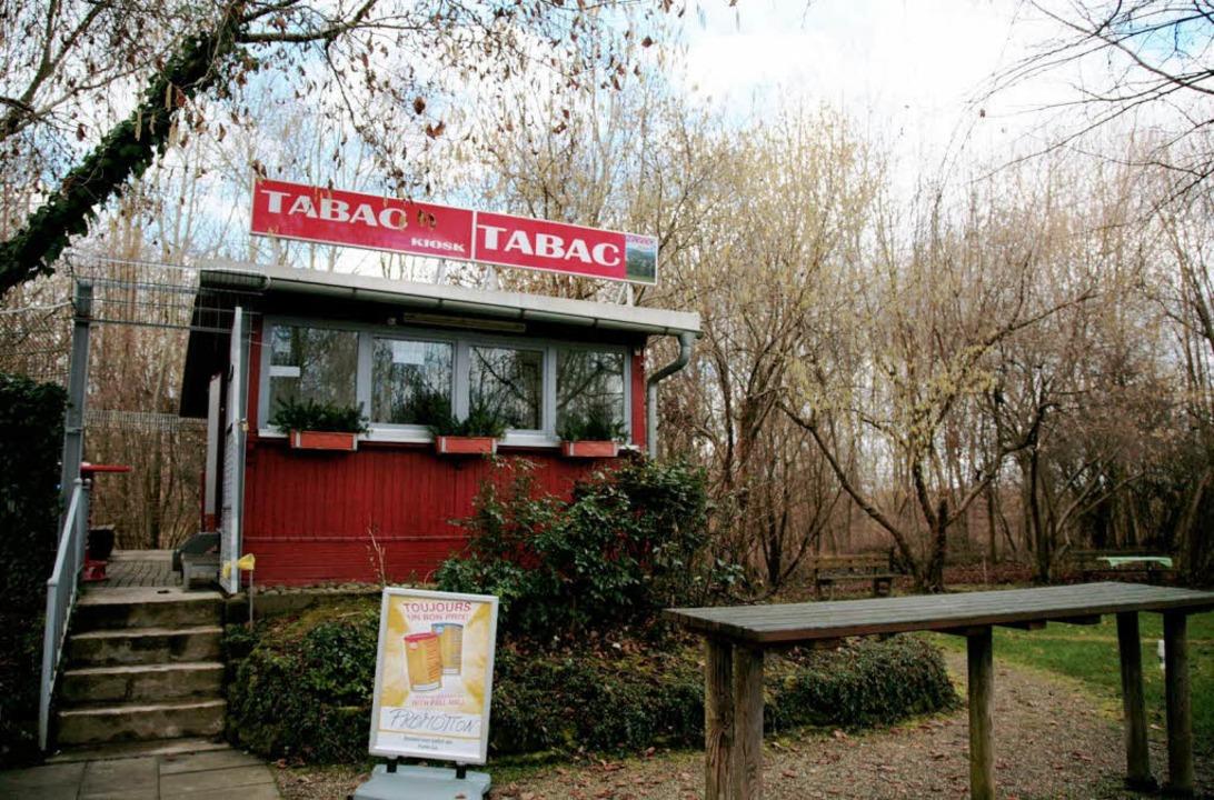 Seit ein paar Tagen wieder geöffnet: der Kiosk bei der Rheinfähre  | Foto: Sandra Decoux-Kone