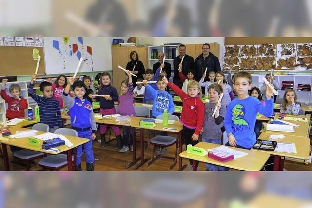 Bürgerstiftung lässt Schule erklingen